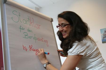 Alev Günsen, Trainerin mit türkischer Muttersprache, macht Sie STARTKLAR